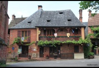 011 Collonges-la-Rouge
